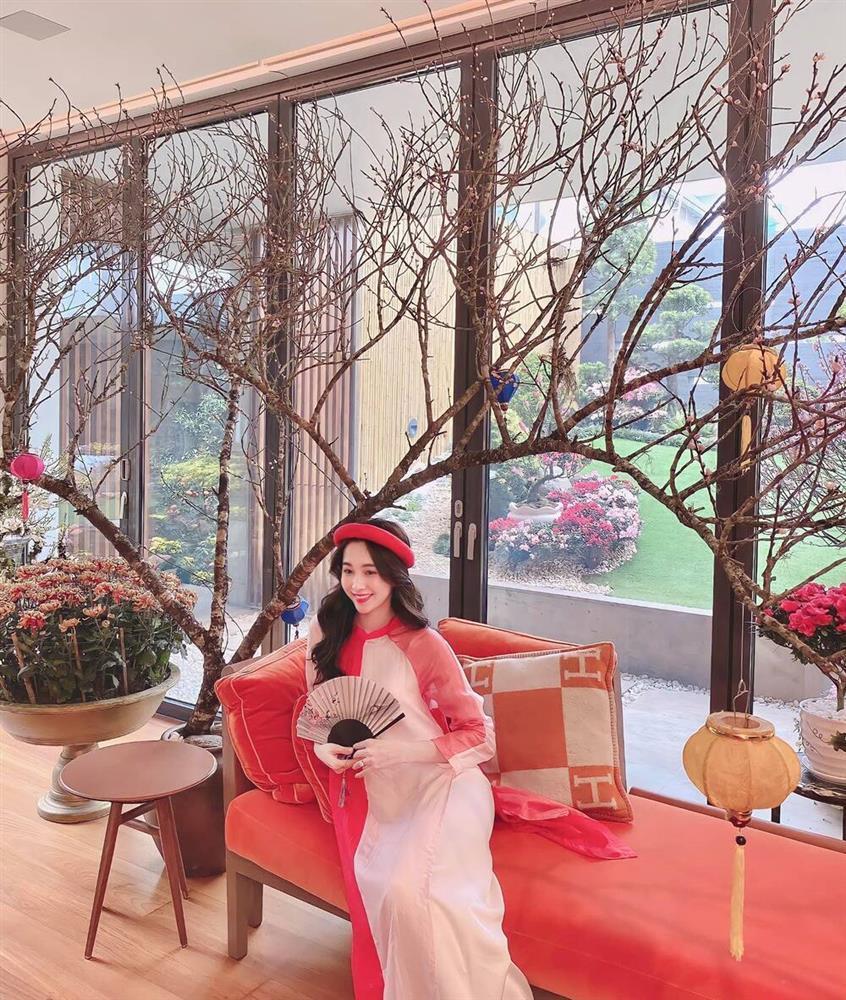 Hương Giang - Matt Liu và Lan Khuê - Tuấn John lên đồ rực rỡ nhất Tết Tân Sửu-8