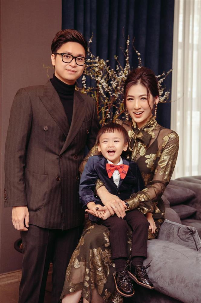 Hương Giang - Matt Liu và Lan Khuê - Tuấn John lên đồ rực rỡ nhất Tết Tân Sửu-11