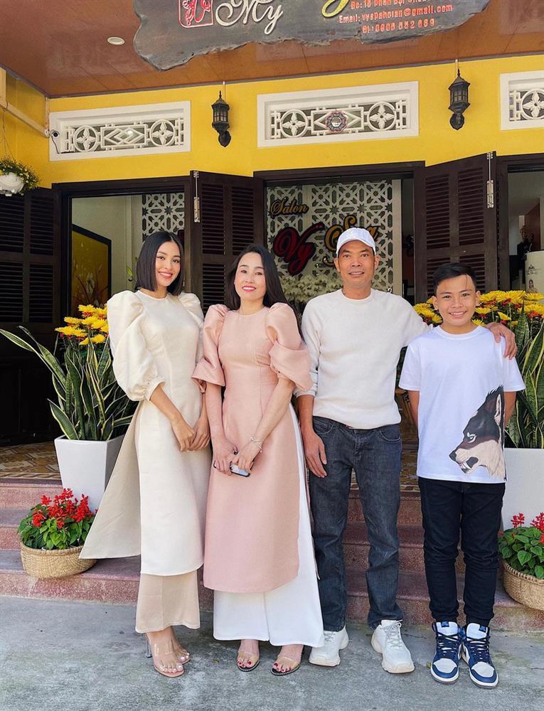 Hương Giang - Matt Liu và Lan Khuê - Tuấn John lên đồ rực rỡ nhất Tết Tân Sửu-12