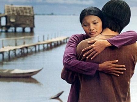 Sao Việt đóng phim cùng trâu: Kiều Trinh nơm nớp lo sợ, Hùng Thuận bị hất tung-1