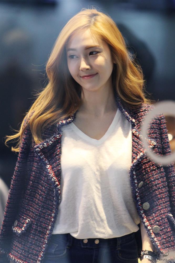 Tìm cả Kbiz, đố ai qua được thời trang sân bay của Jessica: Gần chục năm nhìn lại vẫn trendy-2