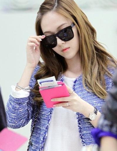 Tìm cả Kbiz, đố ai qua được thời trang sân bay của Jessica: Gần chục năm nhìn lại vẫn trendy-3