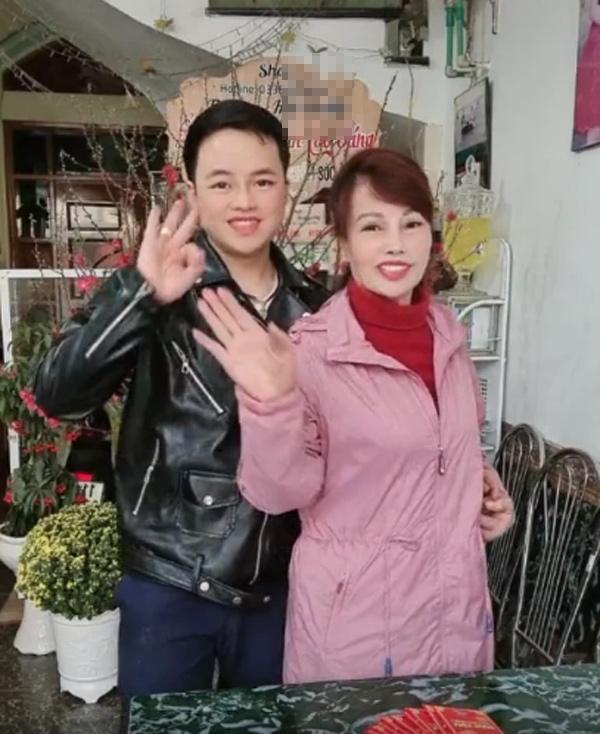 Vợ chồng cô dâu Cao Bằng lộ mặt biến dạng trong clip đăng trên Tiktok-2