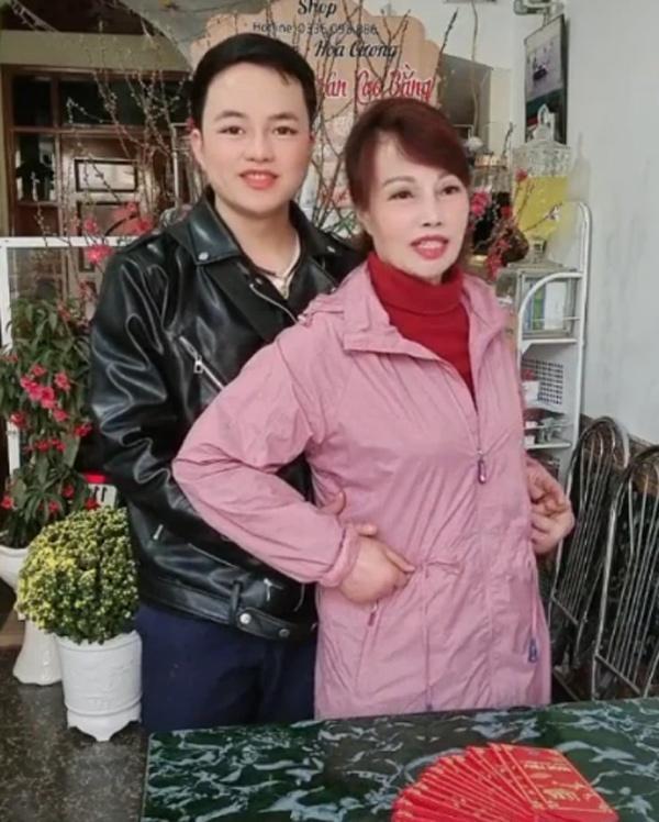 Vợ chồng cô dâu Cao Bằng lộ mặt biến dạng trong clip đăng trên Tiktok-3