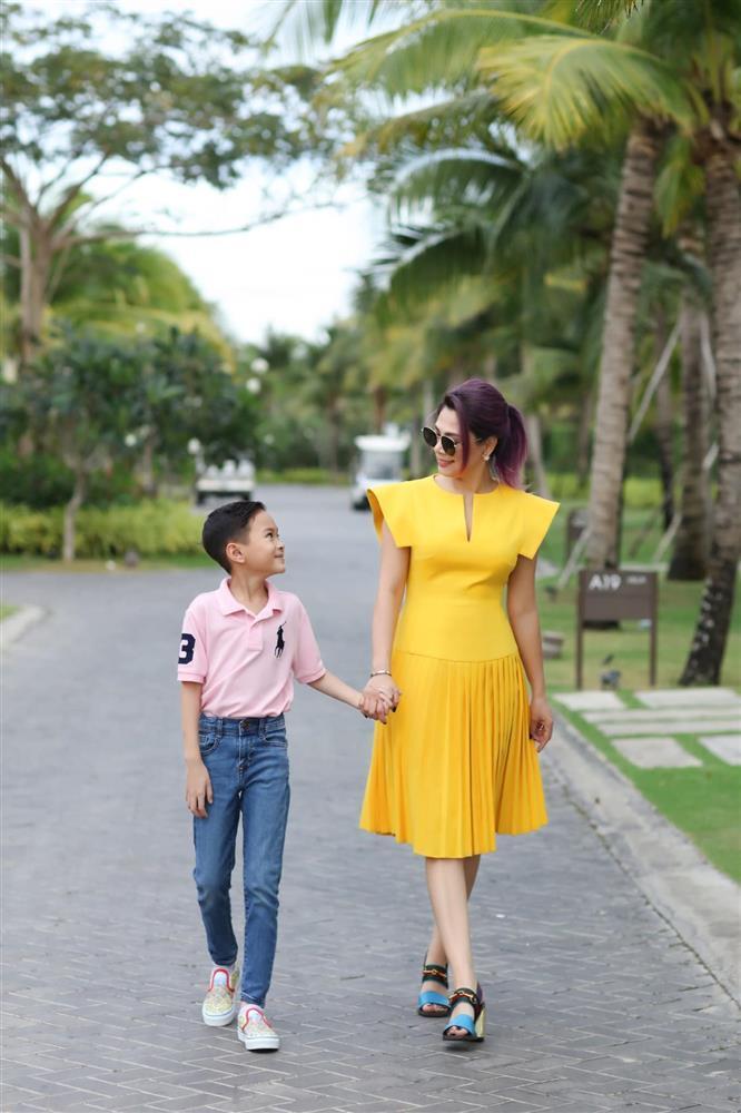 Những ngày về Việt Nam của con trai Ngô Kiến Huy-4