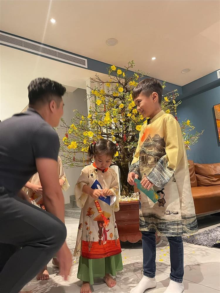 Những ngày về Việt Nam của con trai Ngô Kiến Huy-8