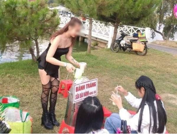 Cô gái đi tất lưới, mặc váy ngắn cũn đứng bán hàng giữa thời tiết lạnh giá ở Đà Lạt-2