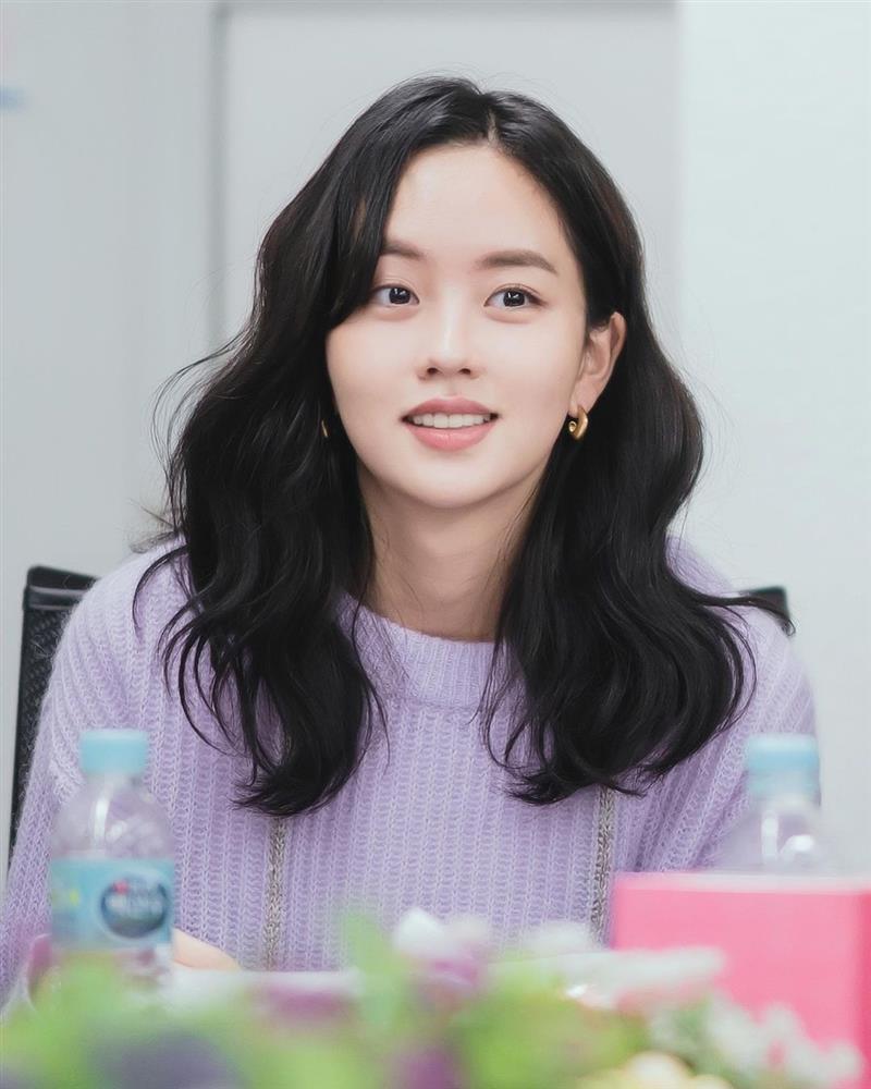 Em gái quốc dân Kim So Hyun bị netizen xứ Trung ném đá vì ăn cắp trắng trợn-1