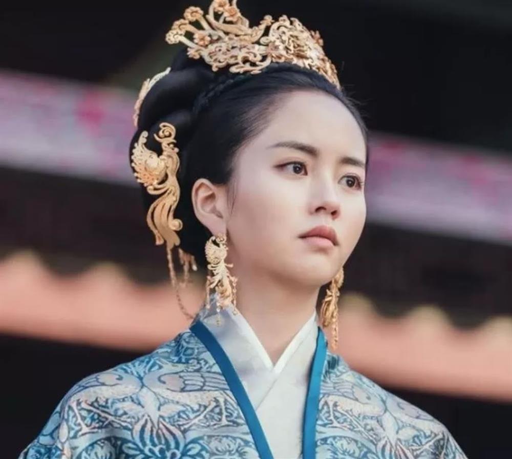 Em gái quốc dân Kim So Hyun bị netizen xứ Trung ném đá vì ăn cắp trắng trợn-4