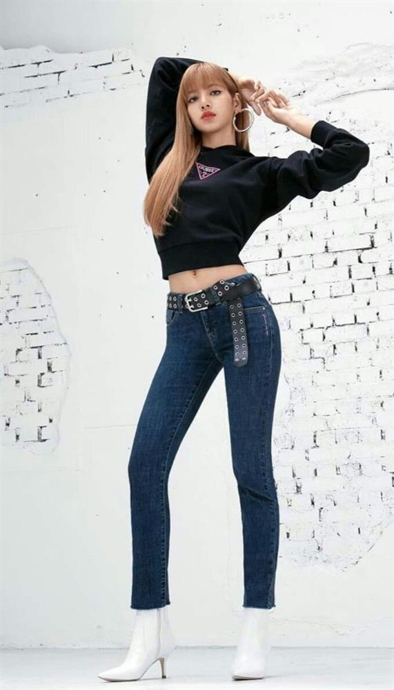 Body tỷ lệ 9:1 cực hiếm của BLACKPINK Lisa-13