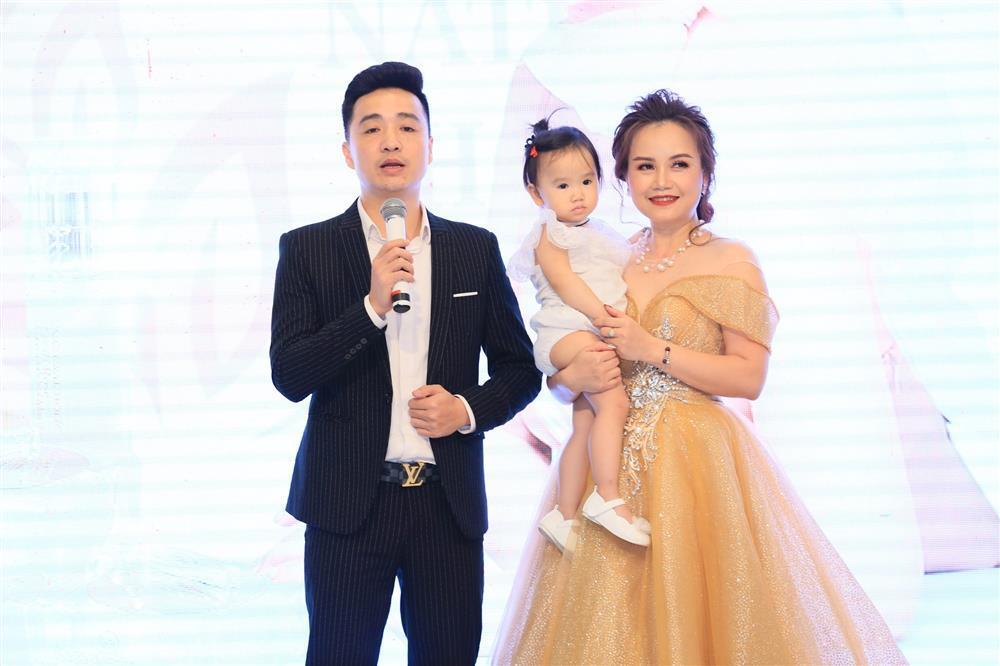 4 cuộc hôn nhân trước khi ly hôn chồng trẻ của cô Xuyến Hoàng Yến-1