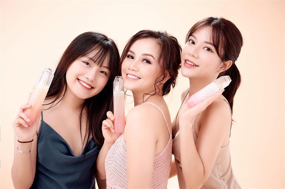 Cuộc đời 2 con gái xinh đẹp của cô Xuyến Hoàng Yến-3