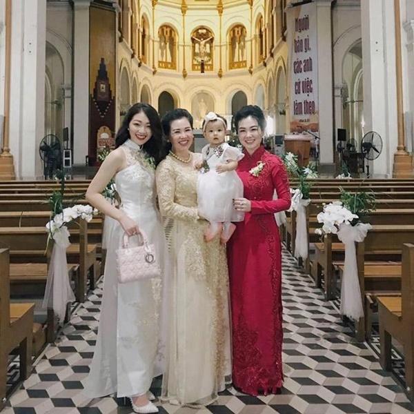 Cô dâu 200 cây vàng ở Nam Định khoe con gái xinh tròn 1 tuổi-3