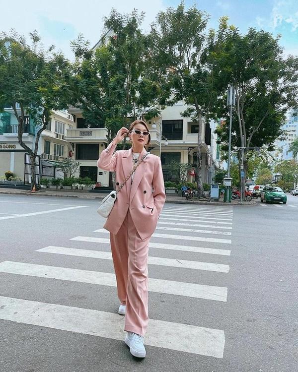 Song Hye Kyo, Son Ye Jin và các sao U40 sẽ chỉ cho nàng công sở kiểu suit diện lên trẻ trung nhất-8