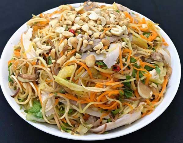 Thức ăn Tết có thừa nhiều cũng không nên giữ những thực phẩm này lại kẻo gây ngộ độc-4