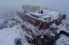 Bão tuyết bao phủ thành cổ Acropolis