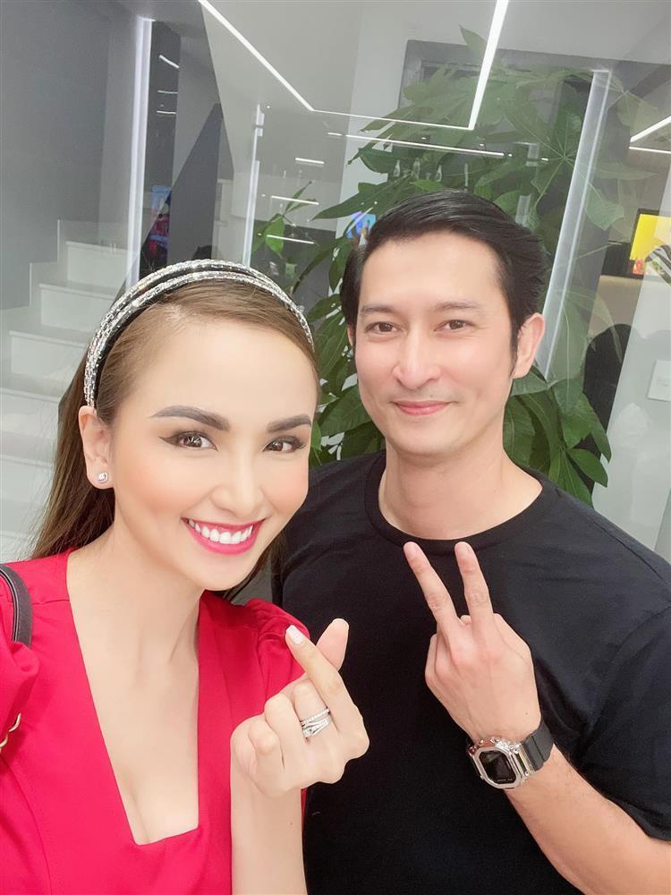 Hoa hậu Diễm Hương khoe cơ ngơi khủng của danh hài Việt Hương-2