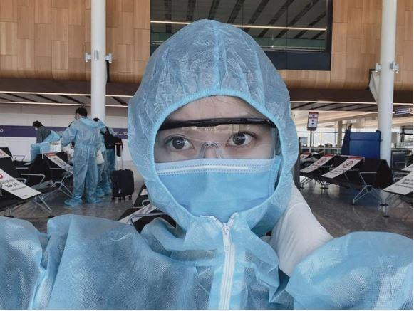 Nàng WAG Việt bất ngờ được tiêm vaccine Covid-19 lượt đầu tiên ở Anh-4