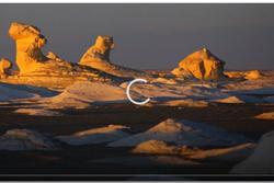 Video: Chiêm ngưỡng những khối đá kỳ lạ ở sa mạc trắng