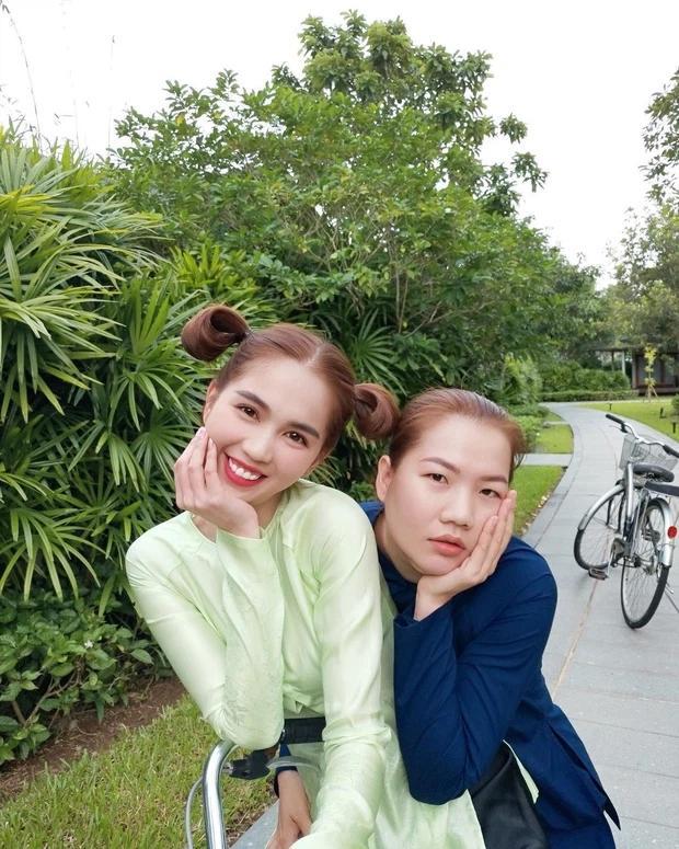 Thúy Kiều khoe Ngọc Trinh tài trợ chuyến mần đẹp đầu năm: Sếp - trợ lý ngày càng giống nhau-1