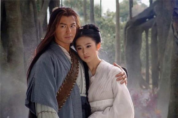 Sở hữu tài sản ngàn tỷ nhưng thánh tiết kiệm Lưu Diệc Phi vẫn dùng chiếc áo phao cổ lỗ sĩ đến 10 năm-7
