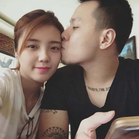 Lâm Á Hân bất ngờ khoe ảnh tình cảm bên chồng cũ sau 3 năm tố bị phản bội-1