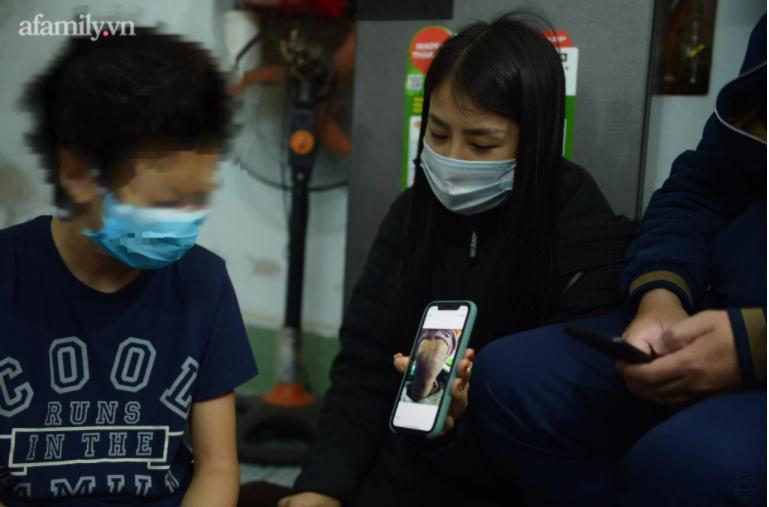 Xót xa bố đẻ bé gái 12 tuổi nghi bị mẹ và người tình bạo hành dã man ở Hà Nội-4