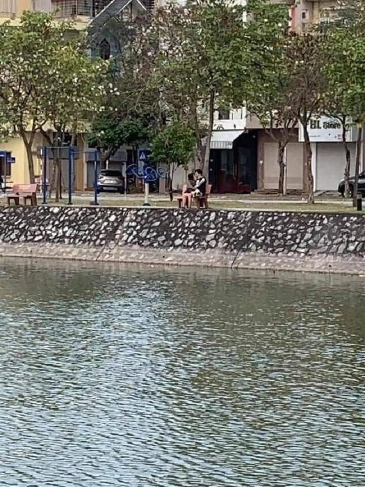 Rủ nhau thân mật công khai bên hồ, cặp đôi Hải Dương nhận kết đắng-1