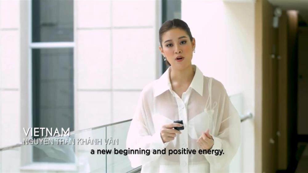 Khánh Vân bị ném đá vì nói tiếng Việt trong clip của Miss Universe-2