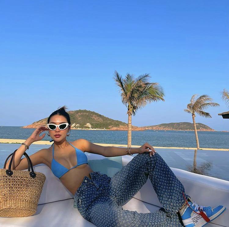 Đầu năm, Hà Hồ - Chi Pu cùng mỹ nhân Việt đồng loạt đọ dáng với bikini-4