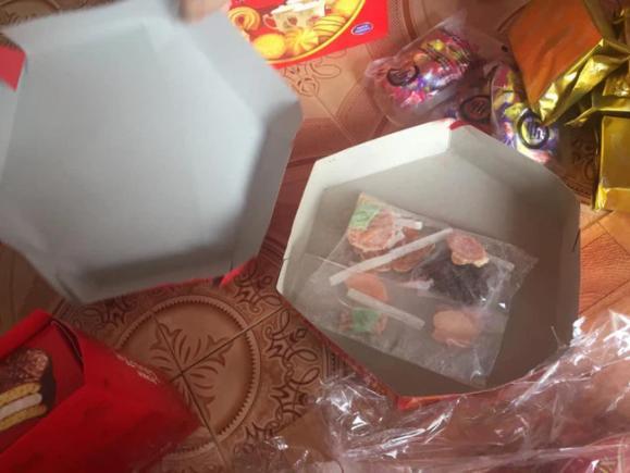 Những pha hí hửng bóc hộp quà Tết nhưng kết quả nhận về lại đắng chát-2