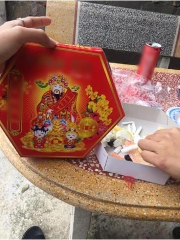 Những pha hí hửng bóc hộp quà Tết nhưng kết quả nhận về lại đắng chát-5