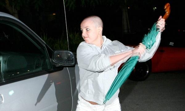 Ai đã khiến Britney Spears sụp đổ?-2