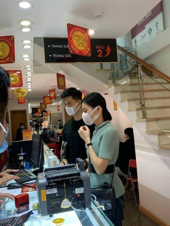 Thực hư hình ảnh Lệ Quyên - Lâm Bảo Châu đi mua nhẫn cưới-1