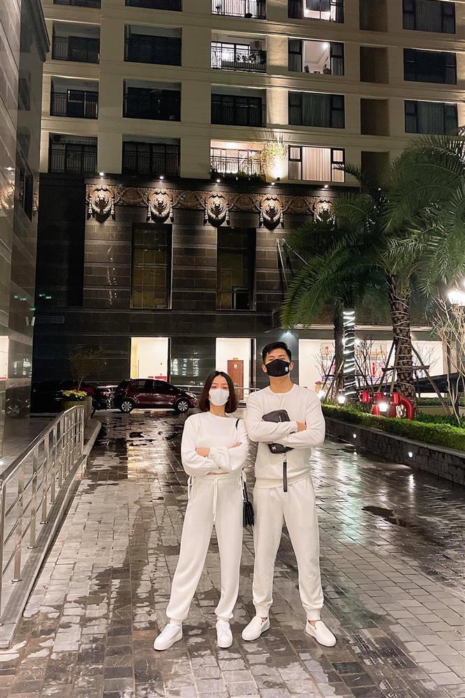 Thực hư hình ảnh Lệ Quyên - Lâm Bảo Châu đi mua nhẫn cưới-2