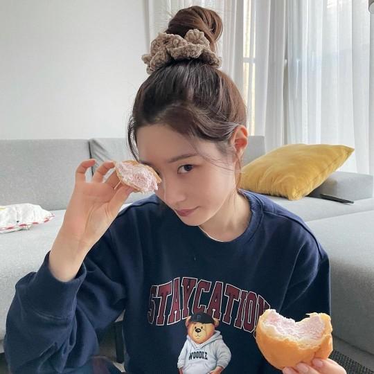 Style sao Hàn tuần qua: HyunA diện nội y khoe body bỏng mắt bên bạn trai-6