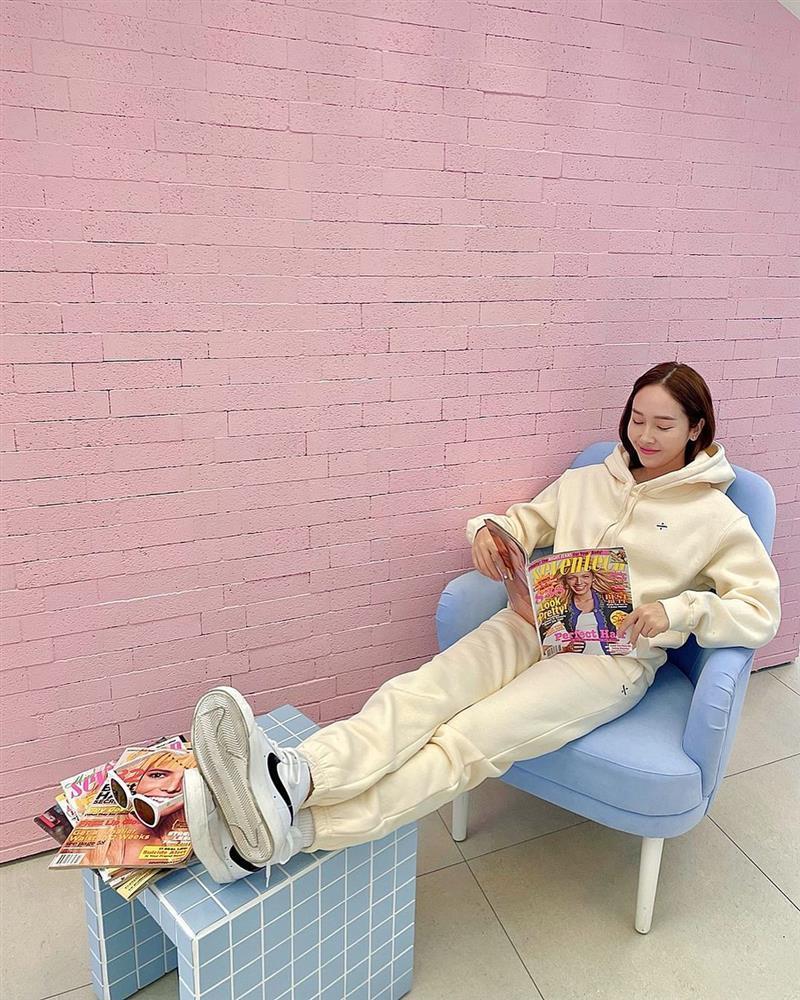 Style sao Hàn tuần qua: HyunA diện nội y khoe body bỏng mắt bên bạn trai-10