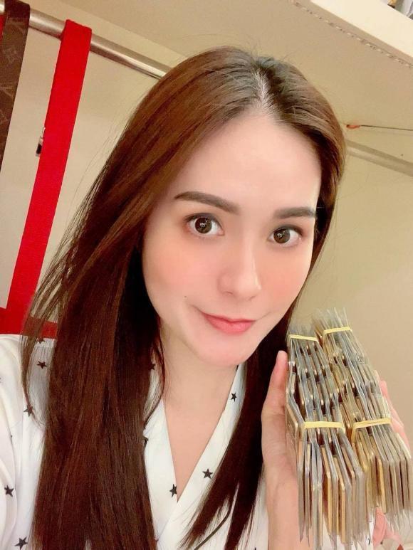 Sao Việt sắm vàng ngày vía Thần Tài 2021: Riêng Di Băng mua 100 cây vàng-5
