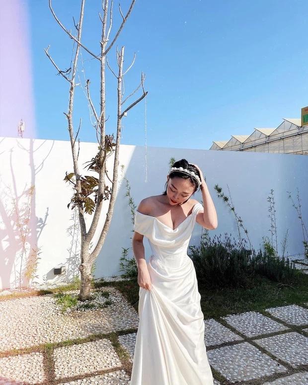 Tóc Tiên kì công gửi sang Mỹ giặt hấp váy cưới 140 triệu để mặc lại trong ngày kỉ niệm-2
