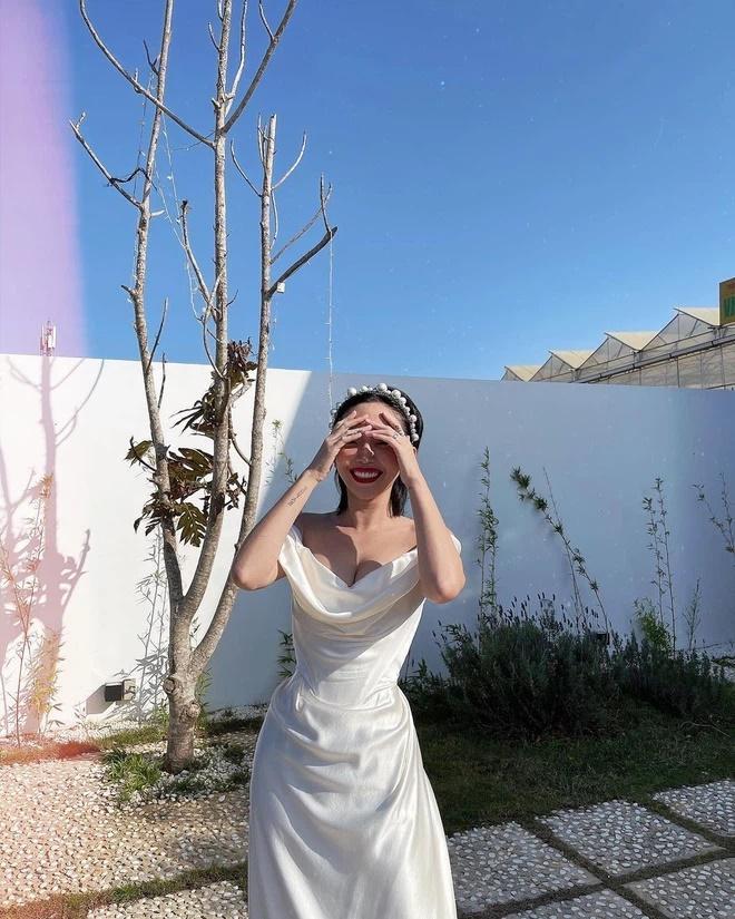 Tóc Tiên kì công gửi sang Mỹ giặt hấp váy cưới 140 triệu để mặc lại trong ngày kỉ niệm-3