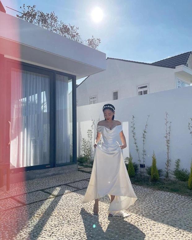 Tóc Tiên kì công gửi sang Mỹ giặt hấp váy cưới 140 triệu để mặc lại trong ngày kỉ niệm-4