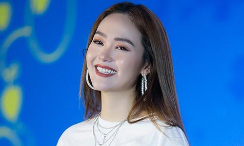 Chỉ thay đổi kiểu tóc, Minh Hằng hack tuổi từ 34 mà như nữ sinh 20-8