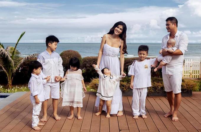 Mỹ nhân 6 con đình đám showbiz Việt bất ngờ cạo đầu trọc lóc-4