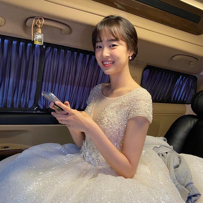 Nhan sắc đời thường của ác nữ Penthouse Choi Ye Bin-4