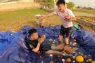 Con trai bà Tân Vlog ra video đại tiệc theo phong cách Dubai, dân tình 'ném đá' chê bẩn