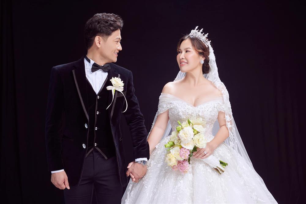 Cuộc sống hôn nhân của Quý Bình và nữ đại gia 7X-4