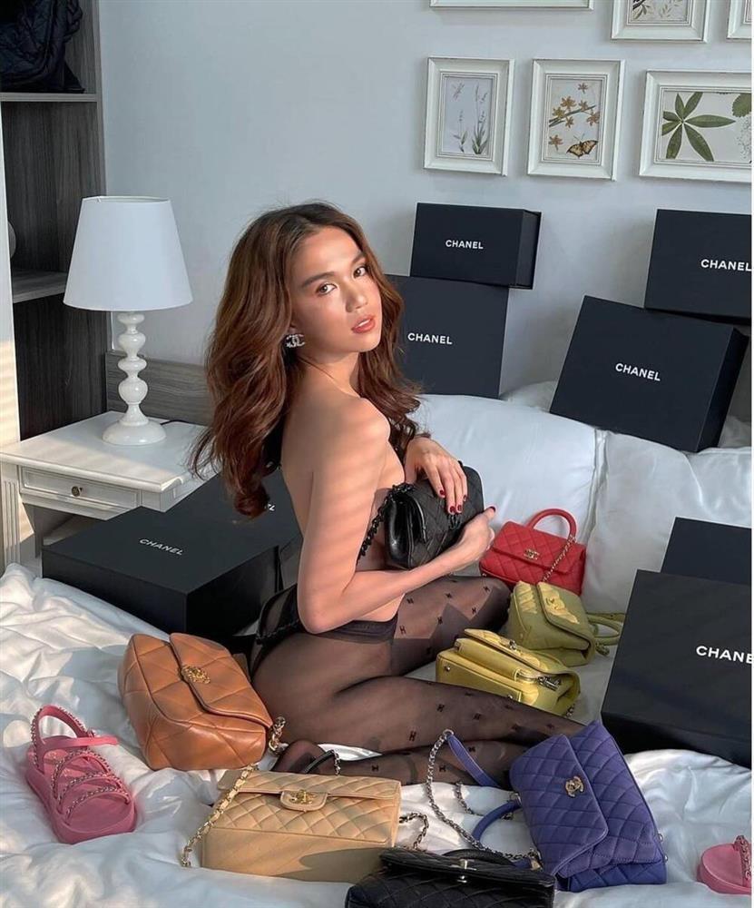 Diện bikini khoe dáng đầu năm: Ngọc Trinh có lép vế trước Ngân 98?-11