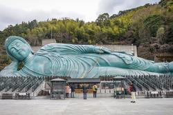 Ngôi chùa có tượng Phật bằng đồng lớn nhất thế giới