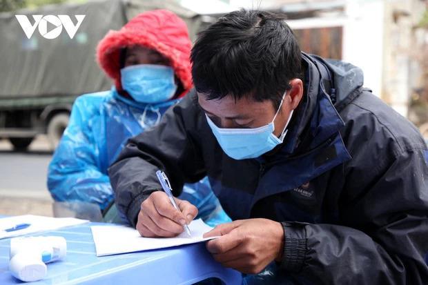 Lai Châu xử phạt thêm 1 bác sĩ khai báo không kịp thời khi về từ vùng dịch-1