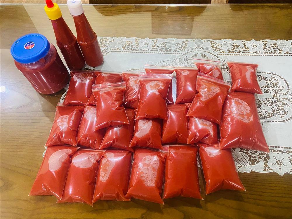 Mẹ Hà Nội mách cách làm tương cà siêu sạch từ cà chua giải cứu nông sản-3